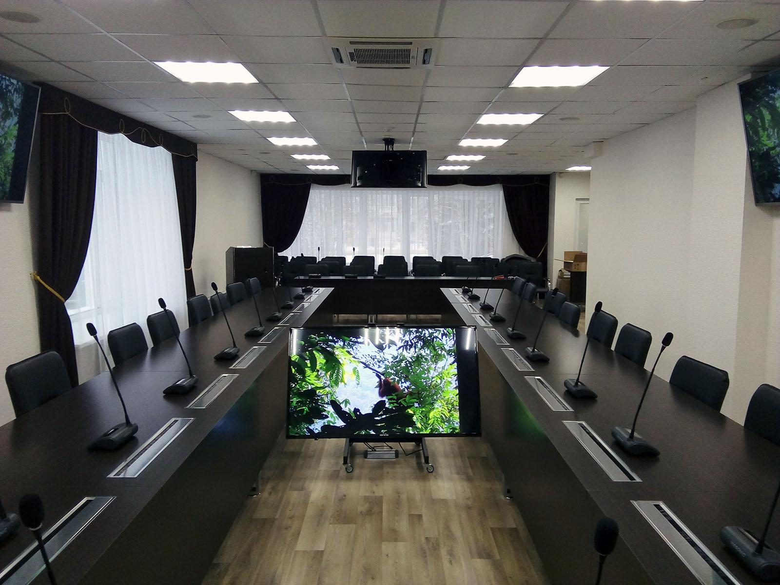 Зал заседаний Администрации города Мегион. Проект РИВА.